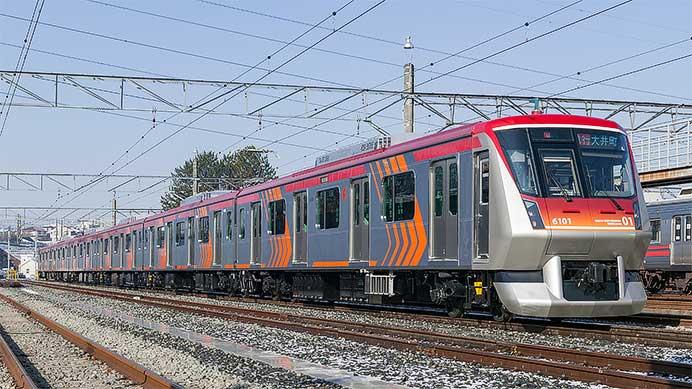 http://cdn3img.railf.com/koyusha/692/2008/080207_6000_0820.jpg