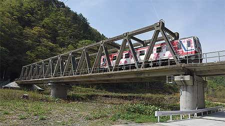 日本の鉄道遺産孤高の連続PCトラス-三陸鉄道北リアス線・槙木沢橋梁-