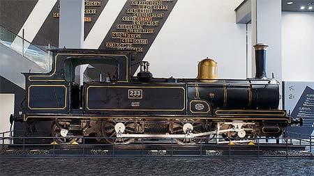 重要文化財に選定された国産初の量産形蒸気機関車 230形233号機
