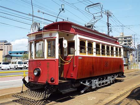 REPORT北海道新幹線開業でにぎわう函館市電