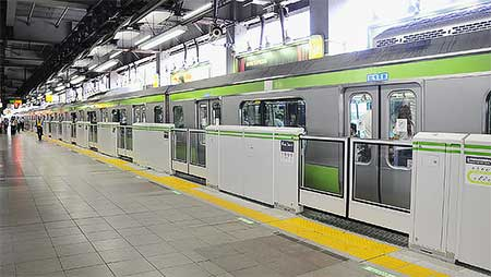 山手線恵比寿駅で可動式ホーム柵の使用を開始