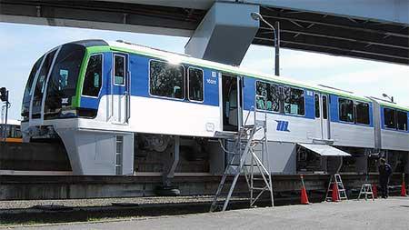 東京モノレール10000形が昭和島車両基地に搬入される