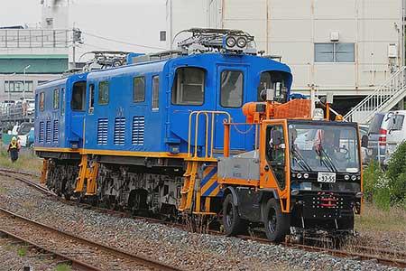 名鉄デキ400形が廃車回送される