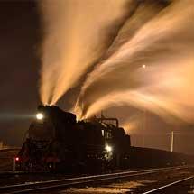 火車撮影家集団写真展「世界の線路端から」,大阪で開催