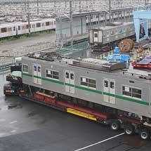 東京メトロ6000系6108編成の輸送準備が行なわれる