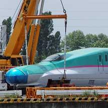 E5系S11編成仙台港に陸揚げ