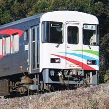 阿佐海岸鉄道ASA101形が日中の牟岐線を走行