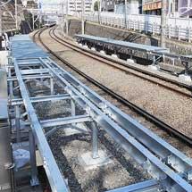 東急東横線で「10両編成列車対応通路」設置工事進む