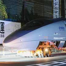 100系と500系の先頭車が京都へ陸送される