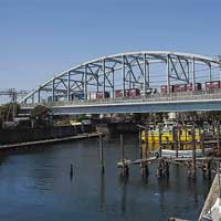 日本の鉄道遺産3線のランガー橋 −東海道貨物線・桜堀橋梁−