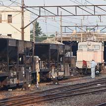 富山地鉄で,デキ12021+ホキの工臨運転