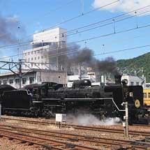 """35系客車がSL""""やまぐち""""で営業運転を開始"""