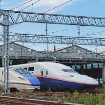 新潟新幹線車両センターが公開される