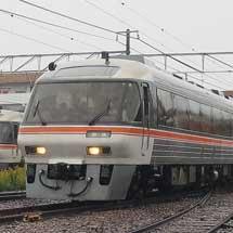 東海道本線でキハ85系による団臨運転