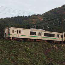 奥羽本線で「落ち葉掃き列車」運転