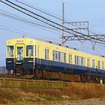 近鉄名古屋線に5200系復刻色編成が入線